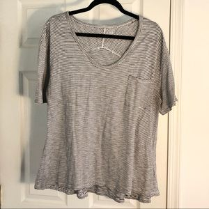 Gap Black+White Striped Tee w/ mid length sleeves